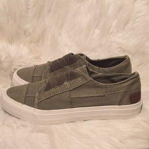 Blowfish Sneakers 💙